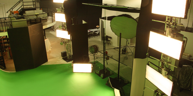 GREEN SCREEN STUDIOS - 718 Studios